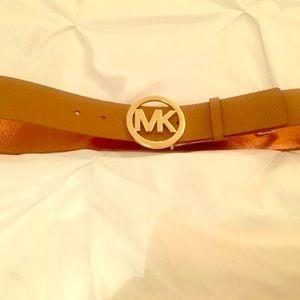 Michael Kors Women's Twist Reversible Belt